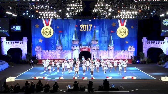 Dixie Heights High School [Super Varsity Division II Finals - 2017 UCA National High School Cheerleading Championship]