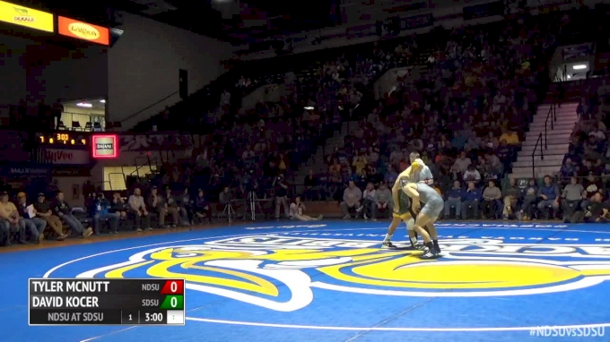 174lbs - David Kocer (South Dakota St) vs Dylan Urbach (North Dakota St)
