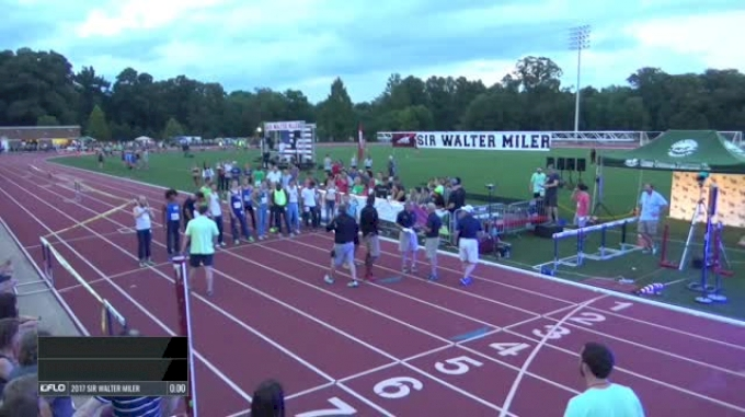 2017 Sir Walter Denim Mile - First ever women's sub-5 mile
