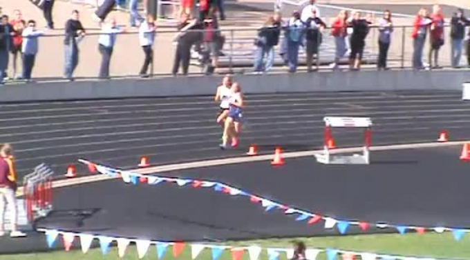 chrissy and taylor finishing lap 7