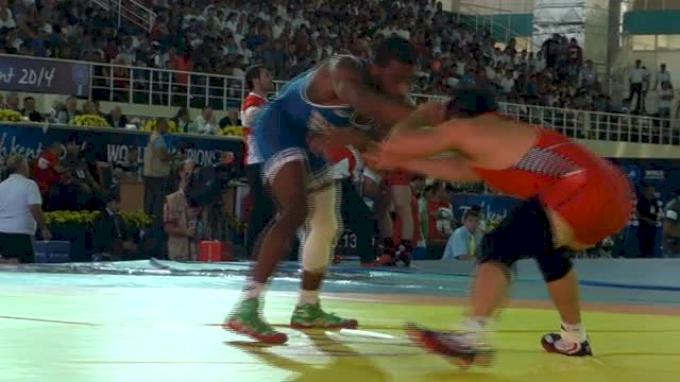 74kg Round 2 Jordan Burroughs (USA) vs. Lee (Korea)