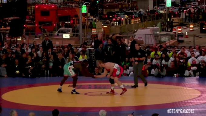 97kg Match Kyle Snyder (USA) vs. Javier Cortina (CUBA)
